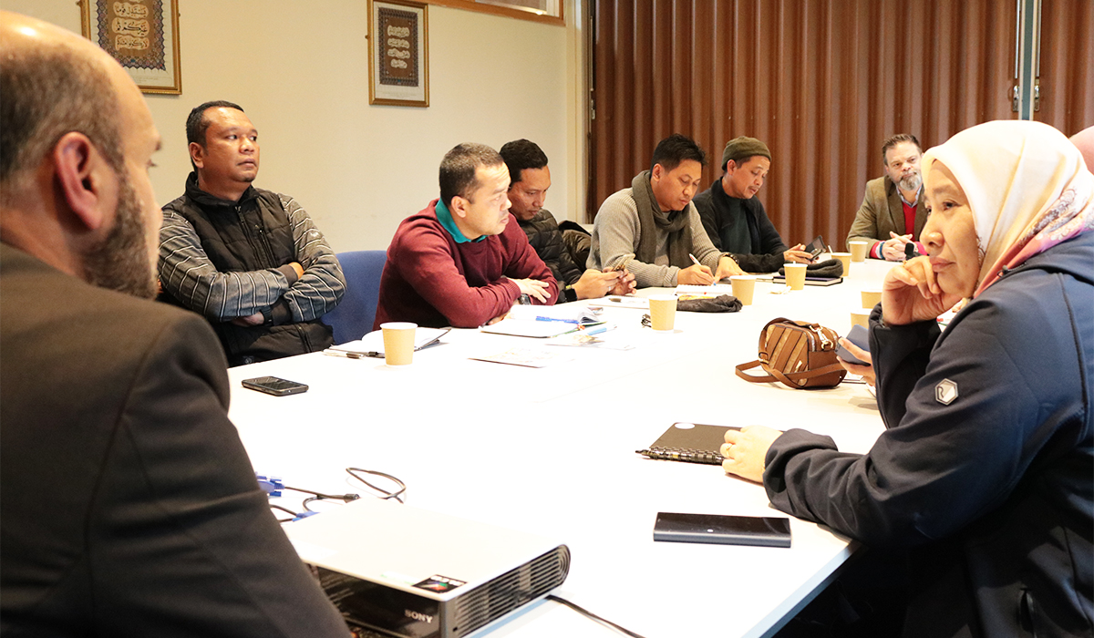 Malaysian_Government_Officials_Visit_Islamic_Foundation_15